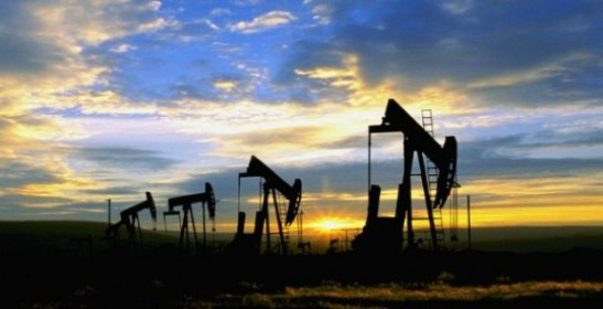 United States now became the first world oil producer ahead of Saudi Arabia , #fracking, #shalegas #US