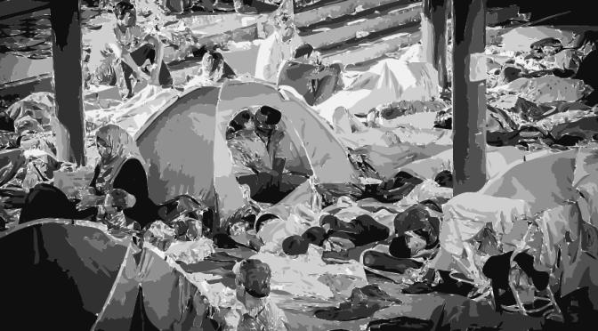 Syrian refugee couple photographed kissing in their tent in Hungary//La photo du «baiser des réfugiés syriens» émeut les réseaux sociaux