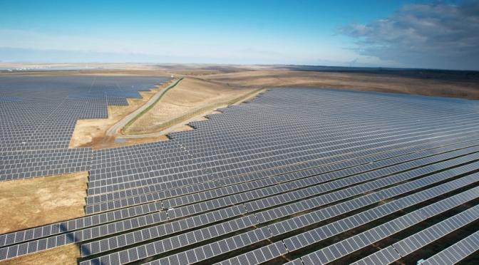 Un exemple que la France doit suivre impérativement:Le Portugal a mis en route ses machines entièrement à l'énergie renouvelable pendant quatre jours