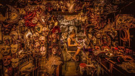 Dean Saffron (AU) ,Venice The Mask Lady