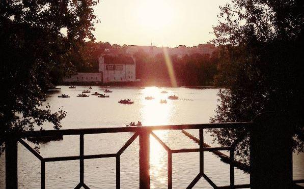 Je vous souhaite un Bon Après-Midi depuis Prague!